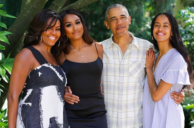 I Can't Get Over How Grown Up The Obama Daughters Look In This Thanksgiving Photo