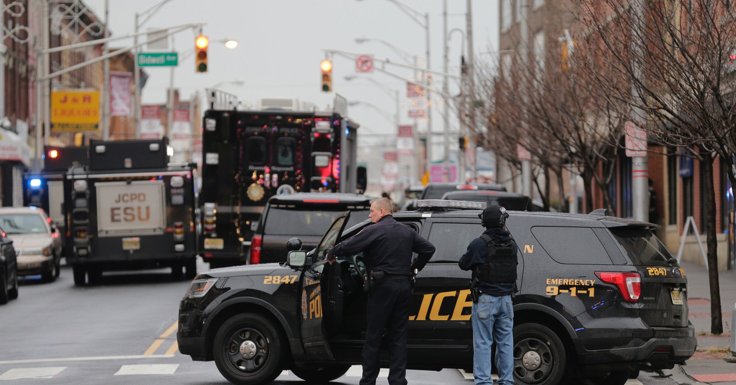 A Dramatic Shootout Left Six People Dead, Including Two Suspects And A Police Officer