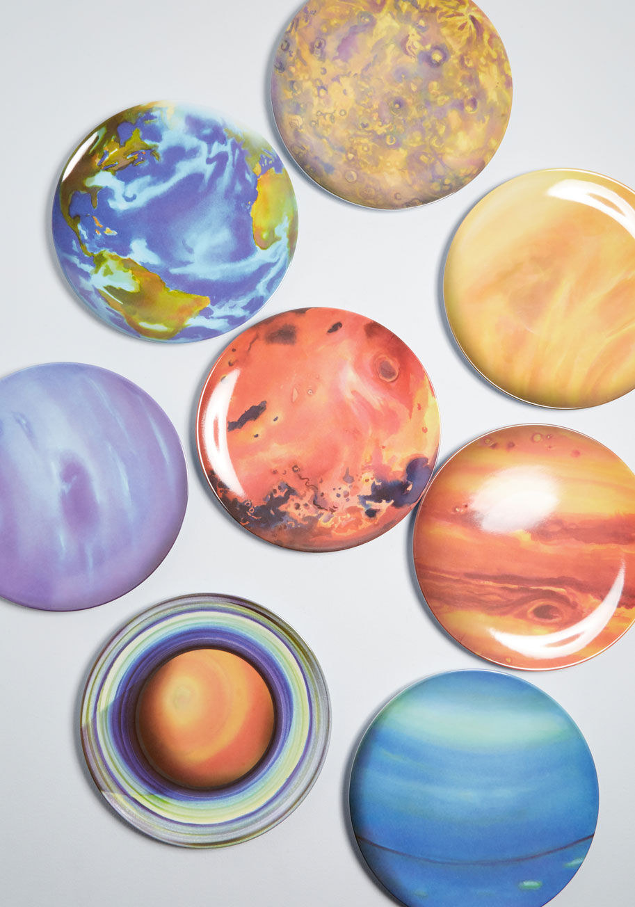 plates with different planets