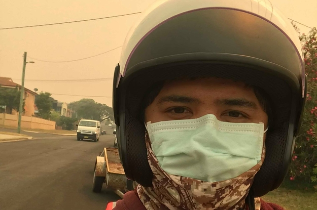 Sydney's Air Quality Has Hit Hazardous Levels. Food Delivery Companies Are Still Letting Their Riders Work