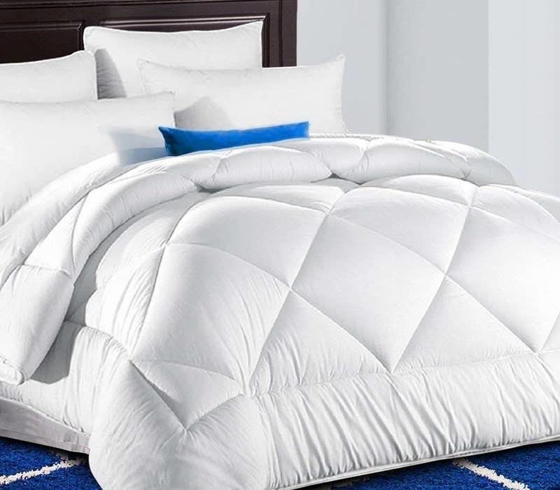 The white fluffy comforter