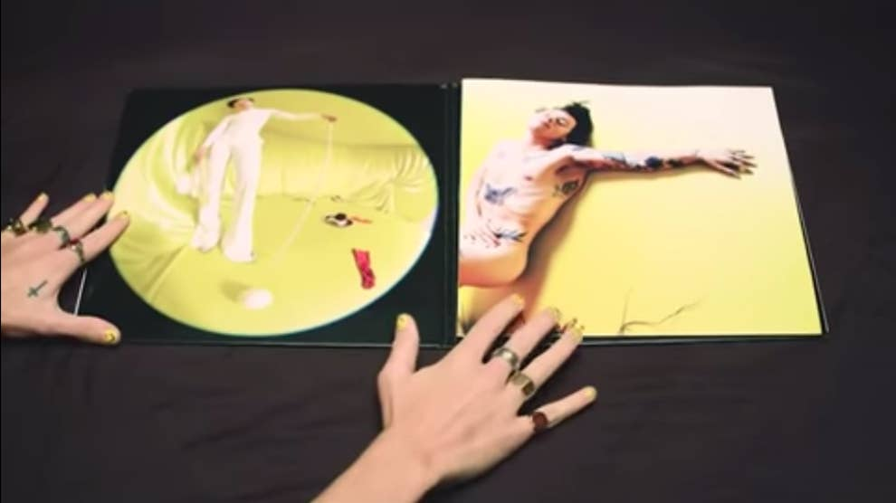 Harry Styles Is Naked On His Fine Line Vinyl Album Cover And It S A Work Of Art