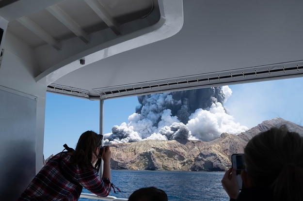 Terrifying Footage Shows People Trying To Escape A Deadly Volcanic Eruption In New Zealand