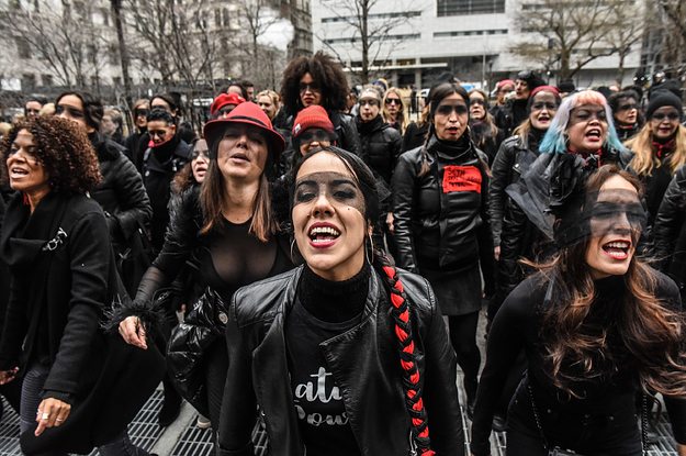 Women Performed The Viral Chilean Anti-Rape Anthem Outside The Harvey Weinstein Trial