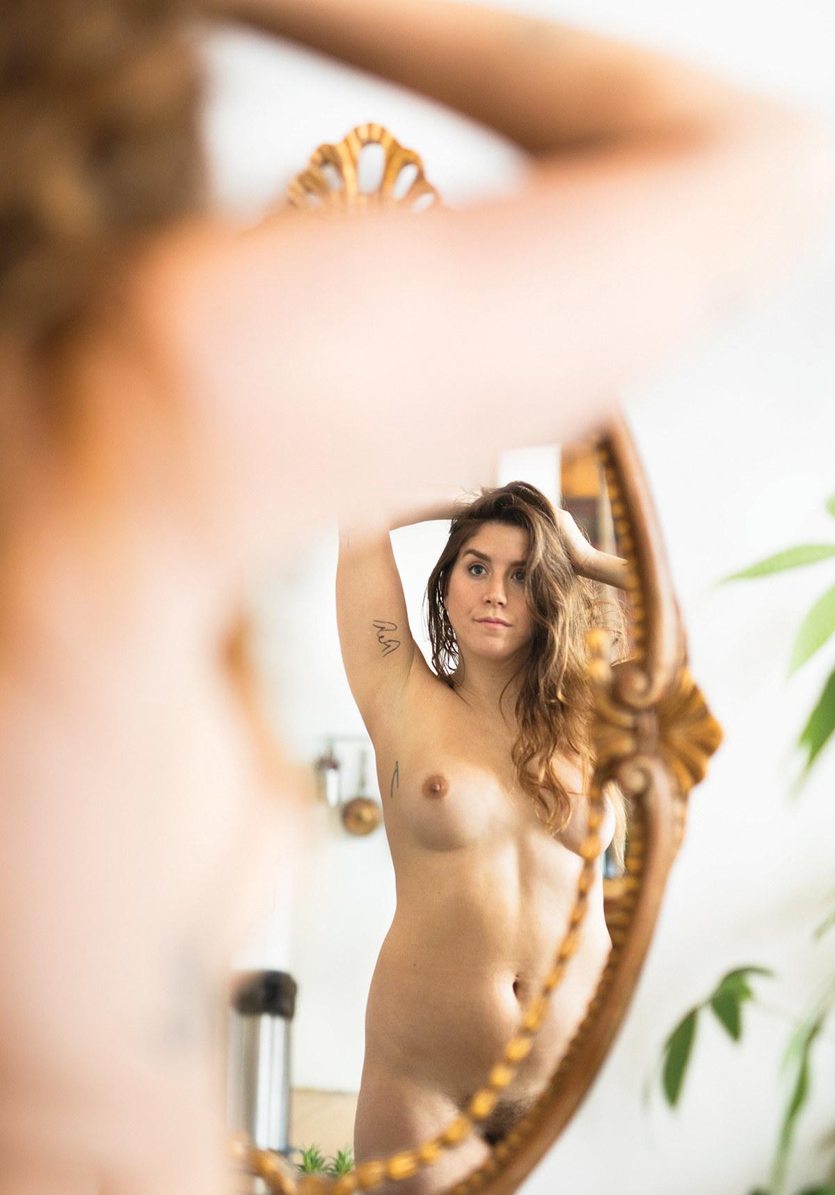 saggers tits