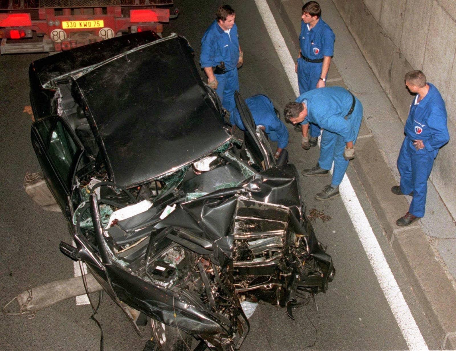 Carro em que Diana estava quando morreu (Foto: Reprodução)