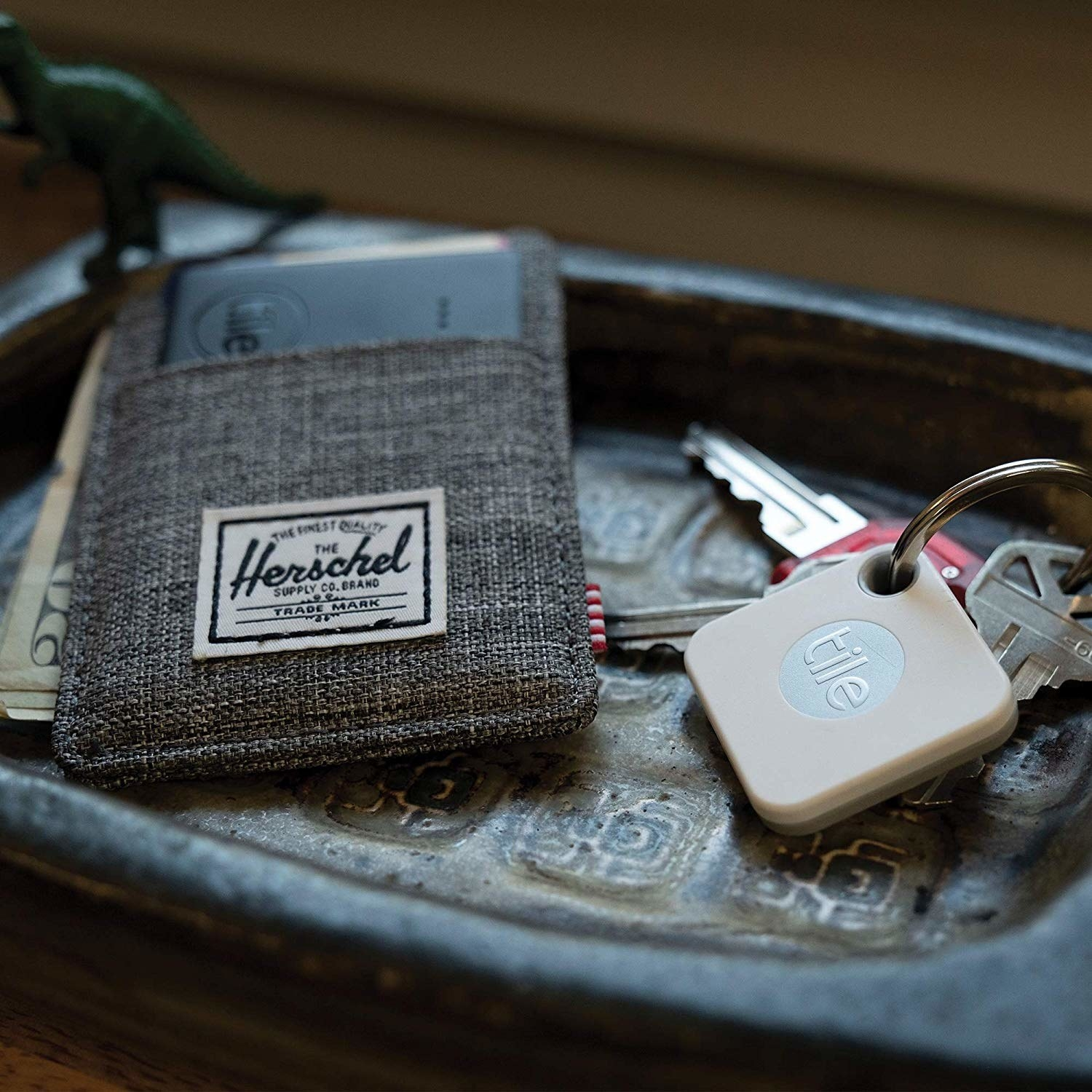 The square tracker on a keyring