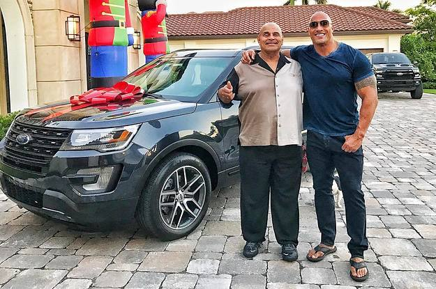 Dwayne The Rock Johnsons Emotional Tribute To His Dad Will Split Your Heart In Two