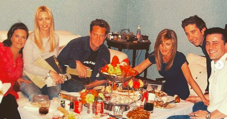"The ""Friends"" Cast Recreated ""The Last Supper"" Before Their Last Taping In 2004, And Courteney Cox Just Shared The Photo"