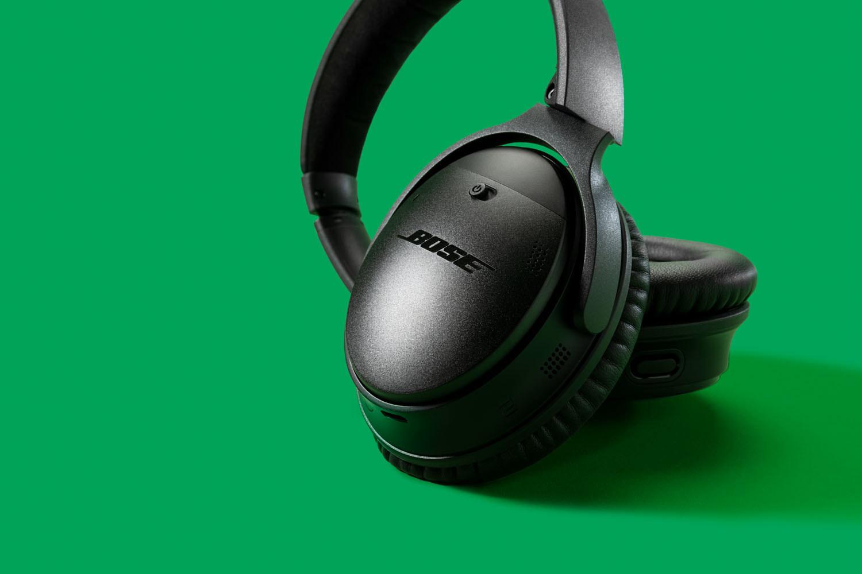 The black Bose headphones