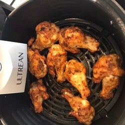 Chicken wings in the air fryer