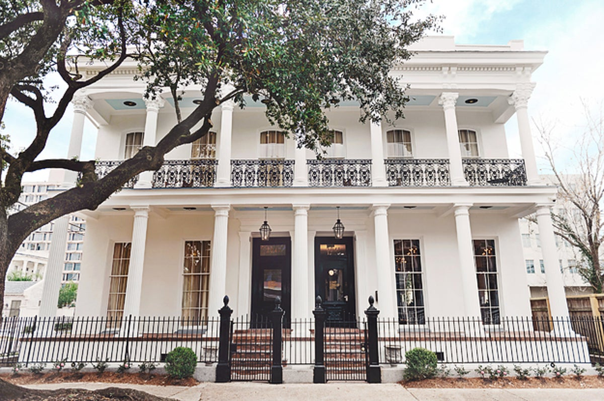 15 New Orleans Hotels To Book For Mardi Gras
