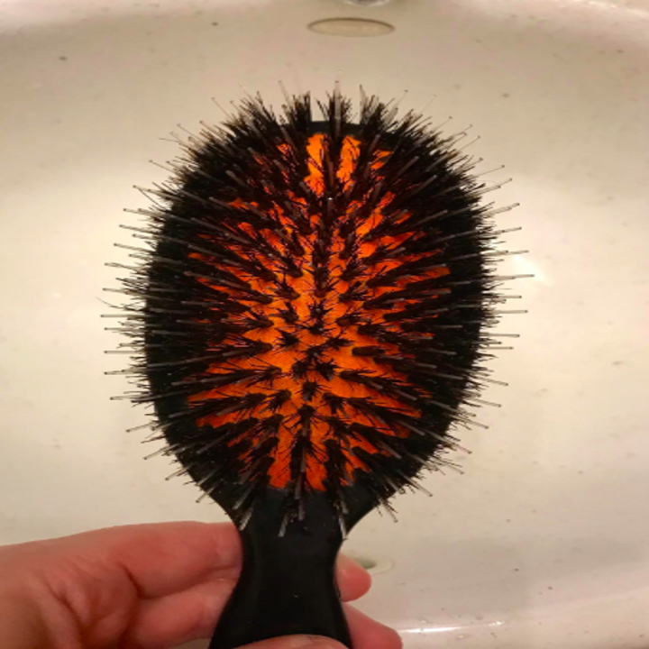 The same hairbrush clean so you can actually see the base
