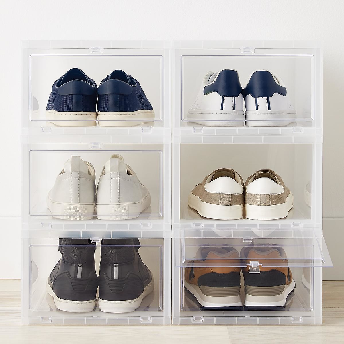 The shoe container holding six shoes