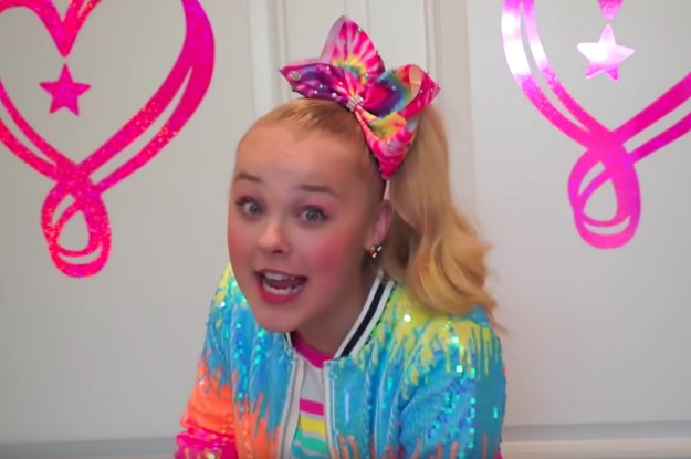 "JoJo Siwa Gave A Tour Of Her New Bedroom Called ""Sweetland ..."