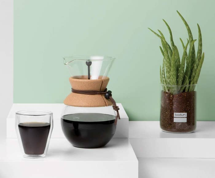 Glass pourover coffee maker with cork holder