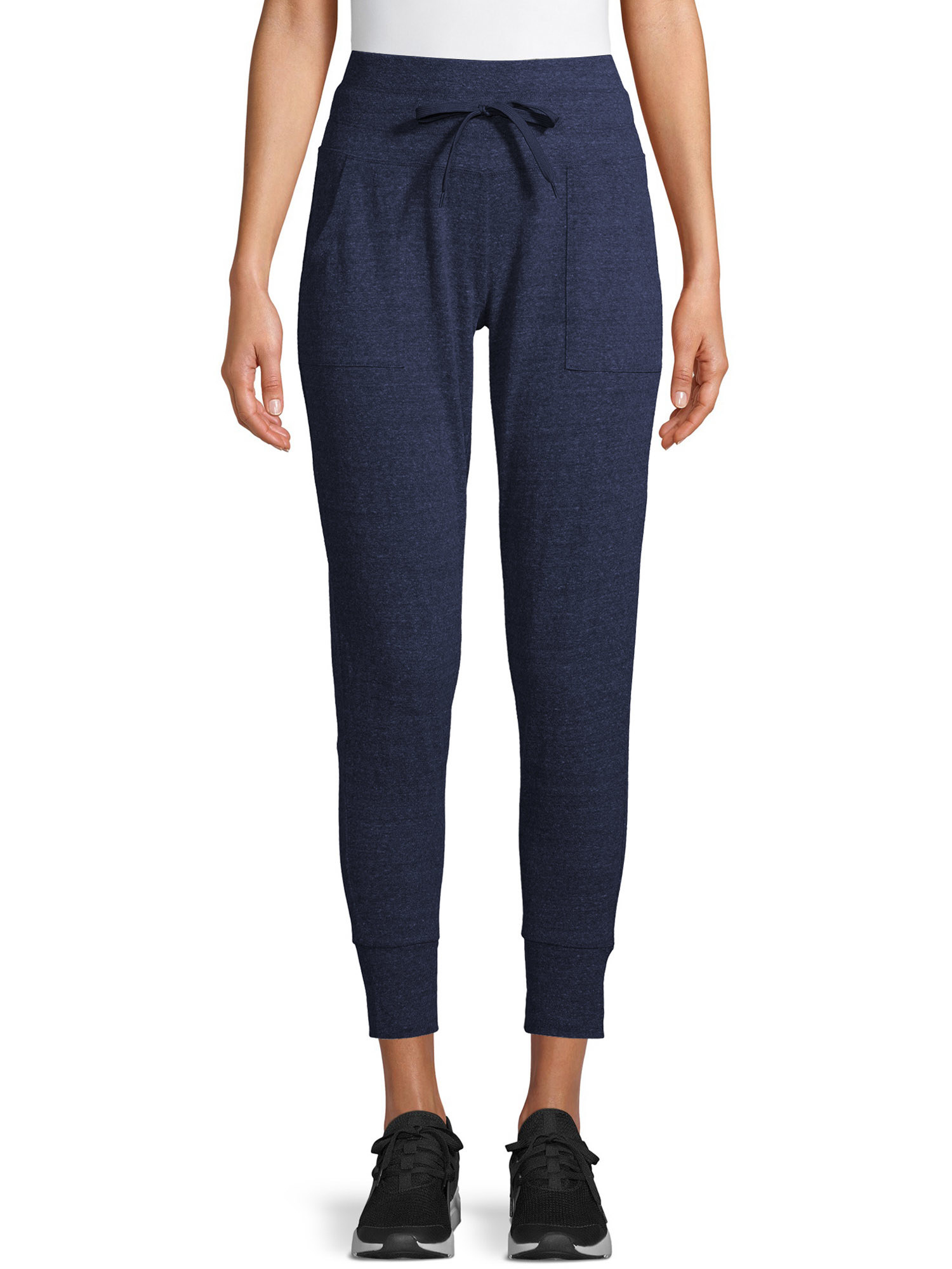 The ankle-length navy blue sweatpants