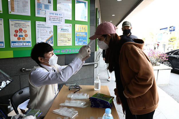These Pictures Show How You Can Hold An Election During The Coronavirus Pandemic