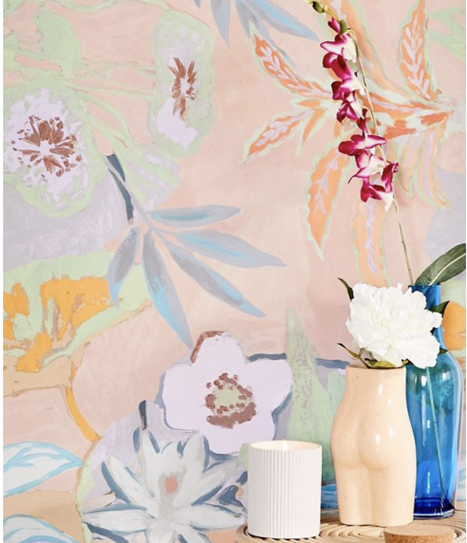 Pink watercolor inspired wall paper with enormous pastel flower print