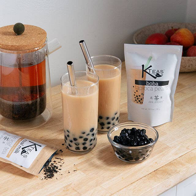 the kit with two glasses of bubble tea made