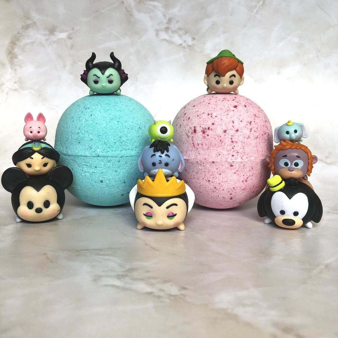 bath bomb with tsum tsum figures
