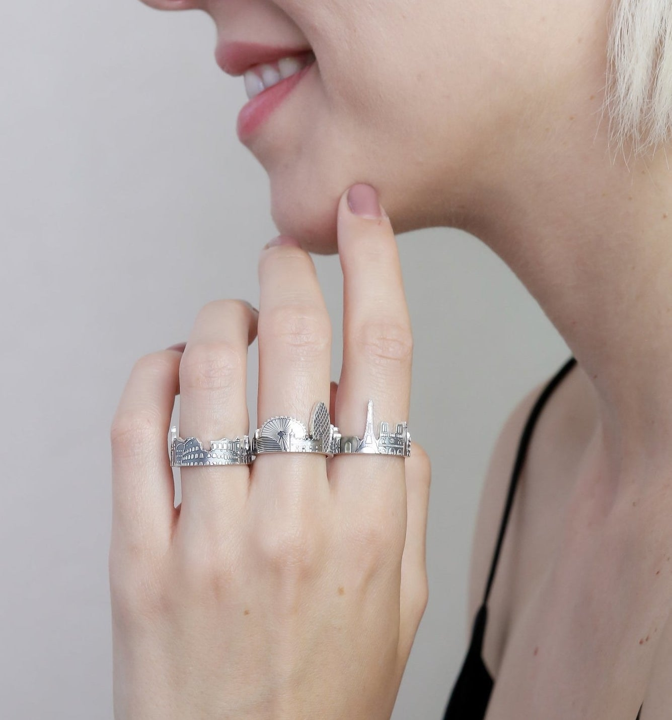 model wearing the silver city ring