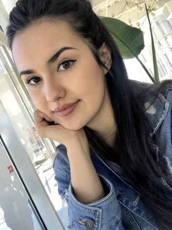 BuzzFeed Editor Kayla Suazo with clear skin