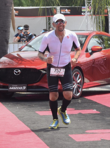 Reviewer runs race while wearing black compression socks