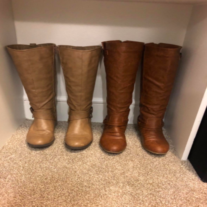 same reviewer's boots standing straight up with the shaper insert