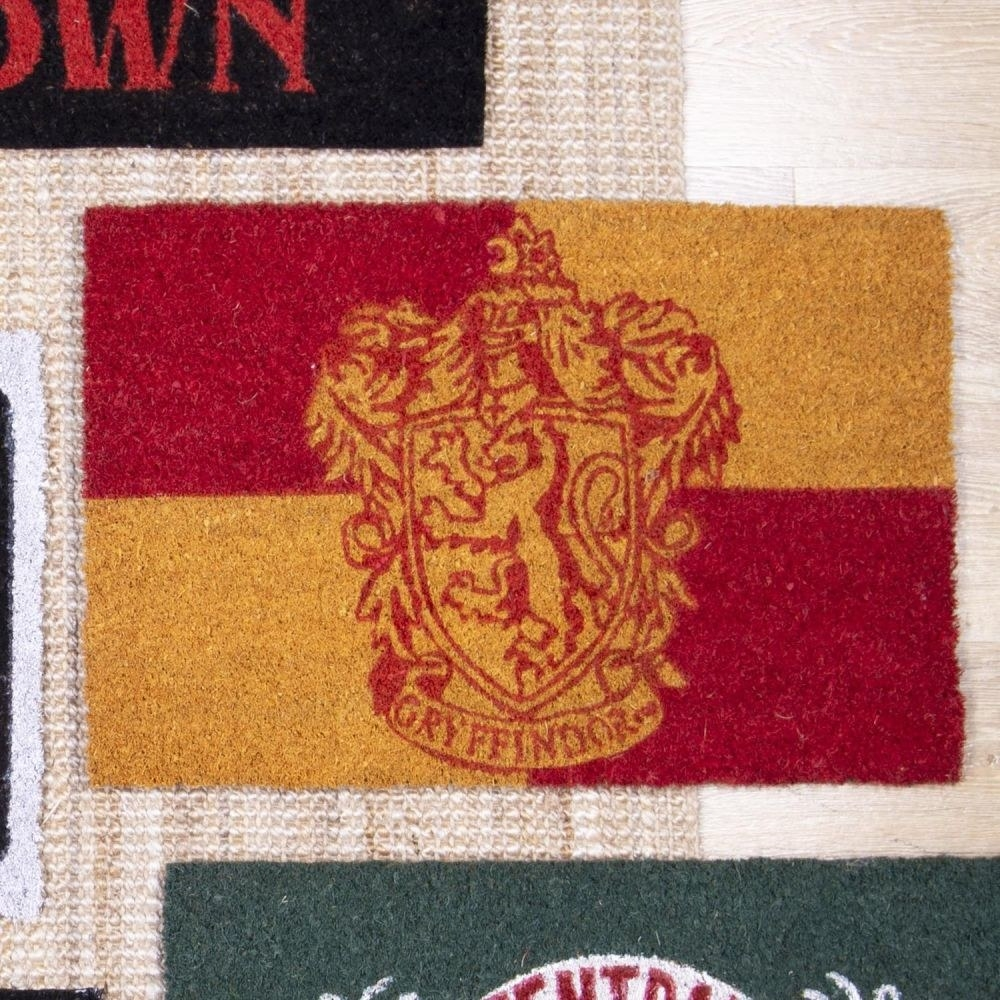 Doormat with Gryffindor crest and colours