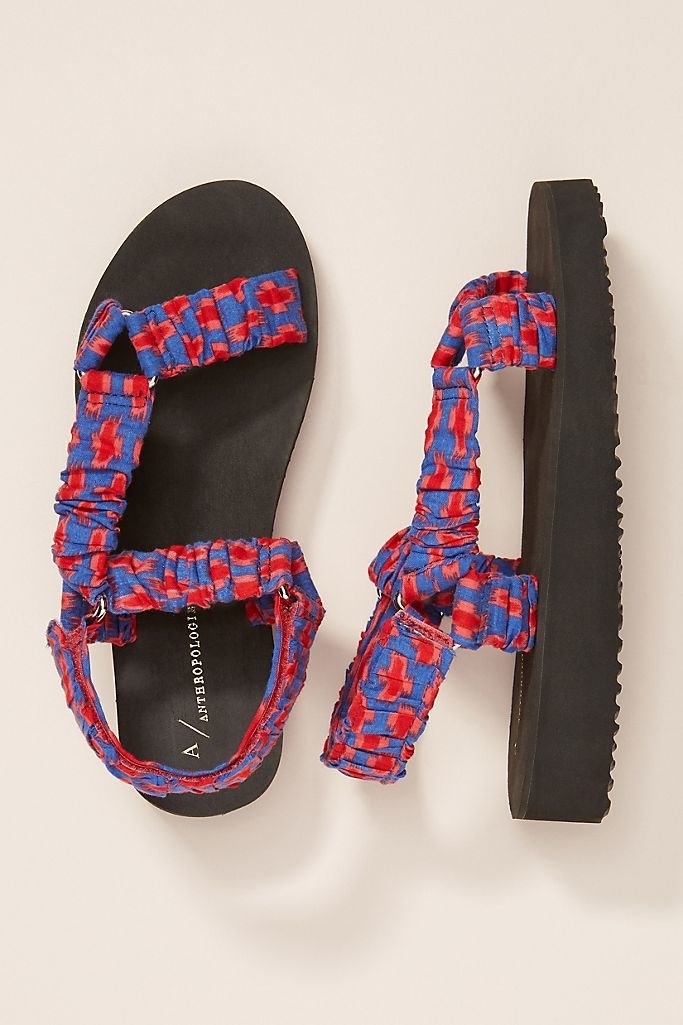An image of the Mariel sport sandals in the blue motif print.