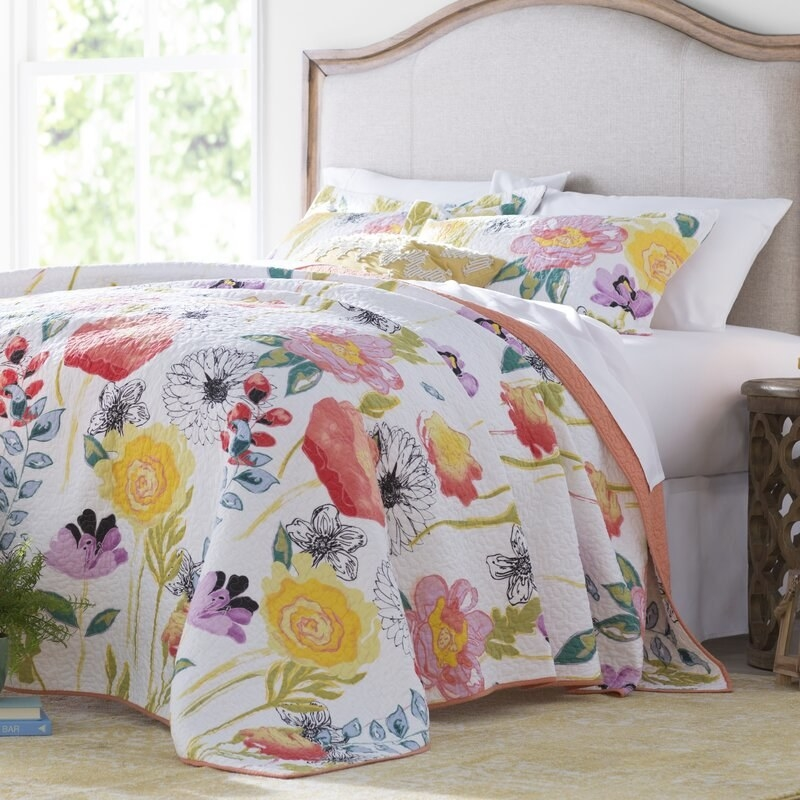A duvet decorated with pastel flowers