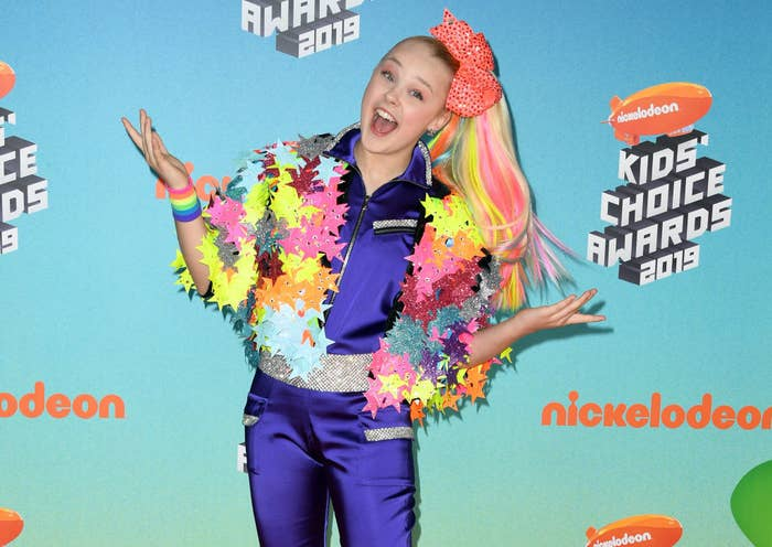 JoJo poses on the red carpet at the Nickelodeon Kids' Choice Awards in 2019.