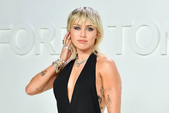 Miley Cyrus Debuts New Quarantine Haircut And It S A Full Mullet