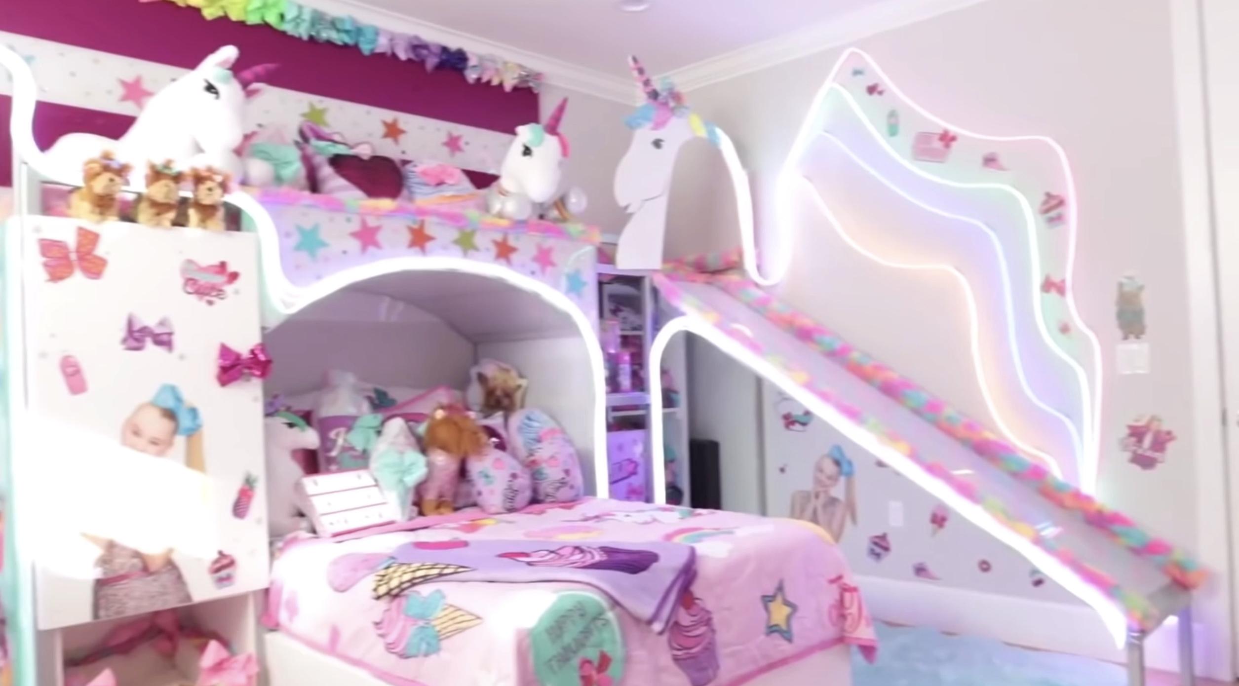 Jojo Siwa Shows Off Candy Themed Bedroom On Tiktok
