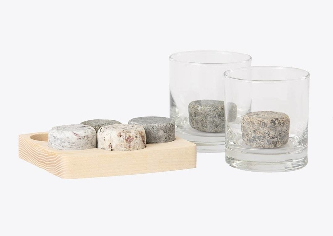 Set of stones shown in the tray and in glasses