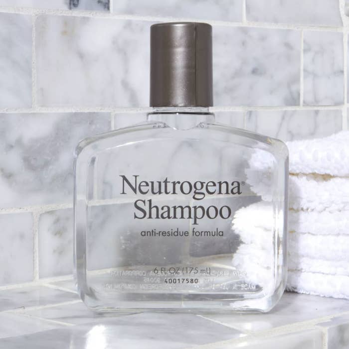 16 Oil Fighting Shampoos For Anyone Who S Tired Of Using Dry Shampoo