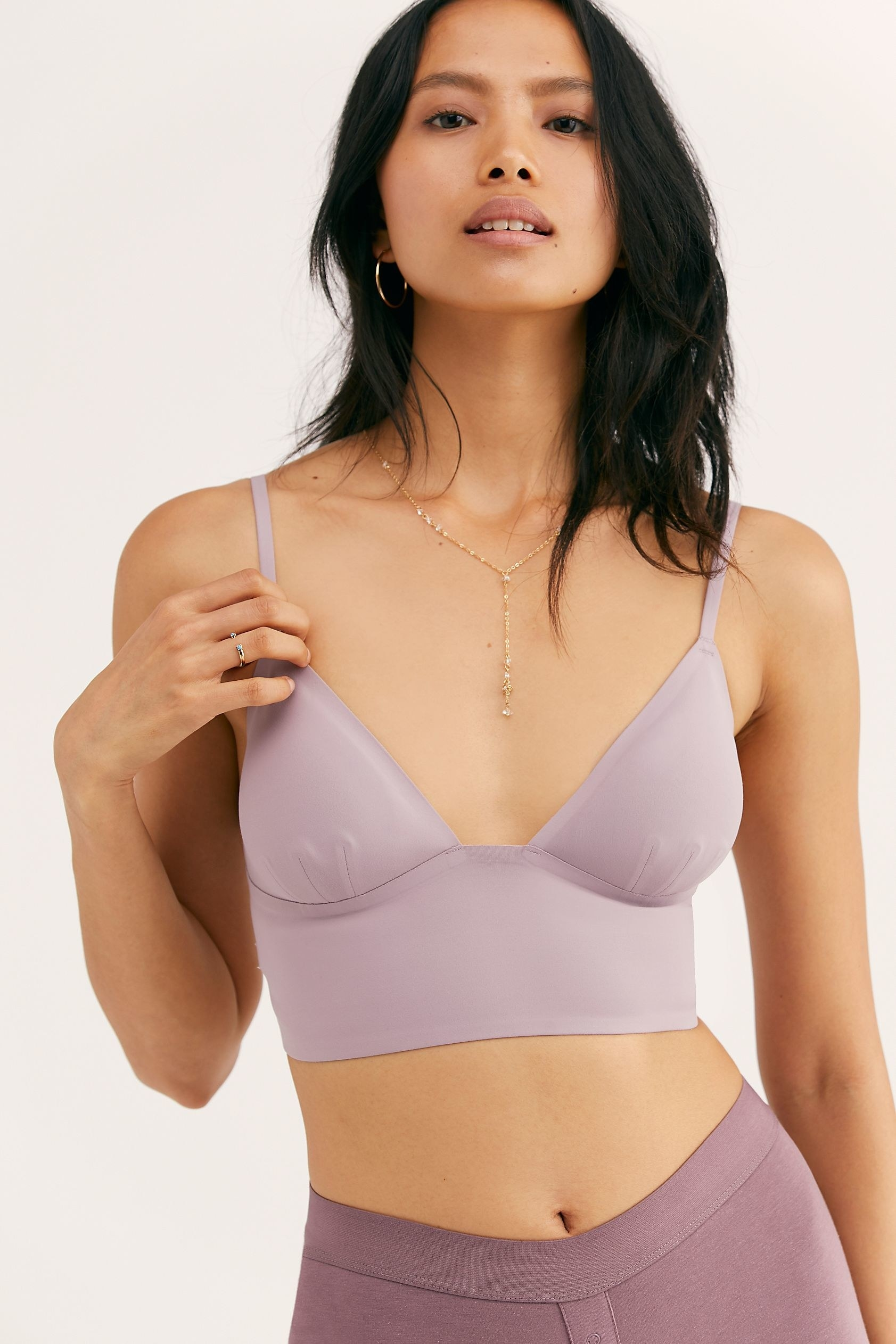 Model wearing the bralette with exra long band in lavender