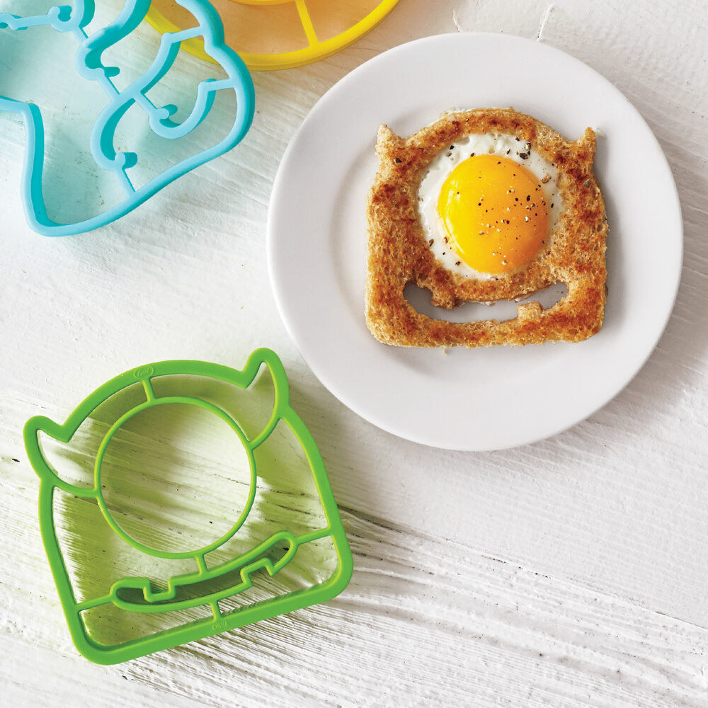 a green one-eyed monster template to make toast with an egg in it