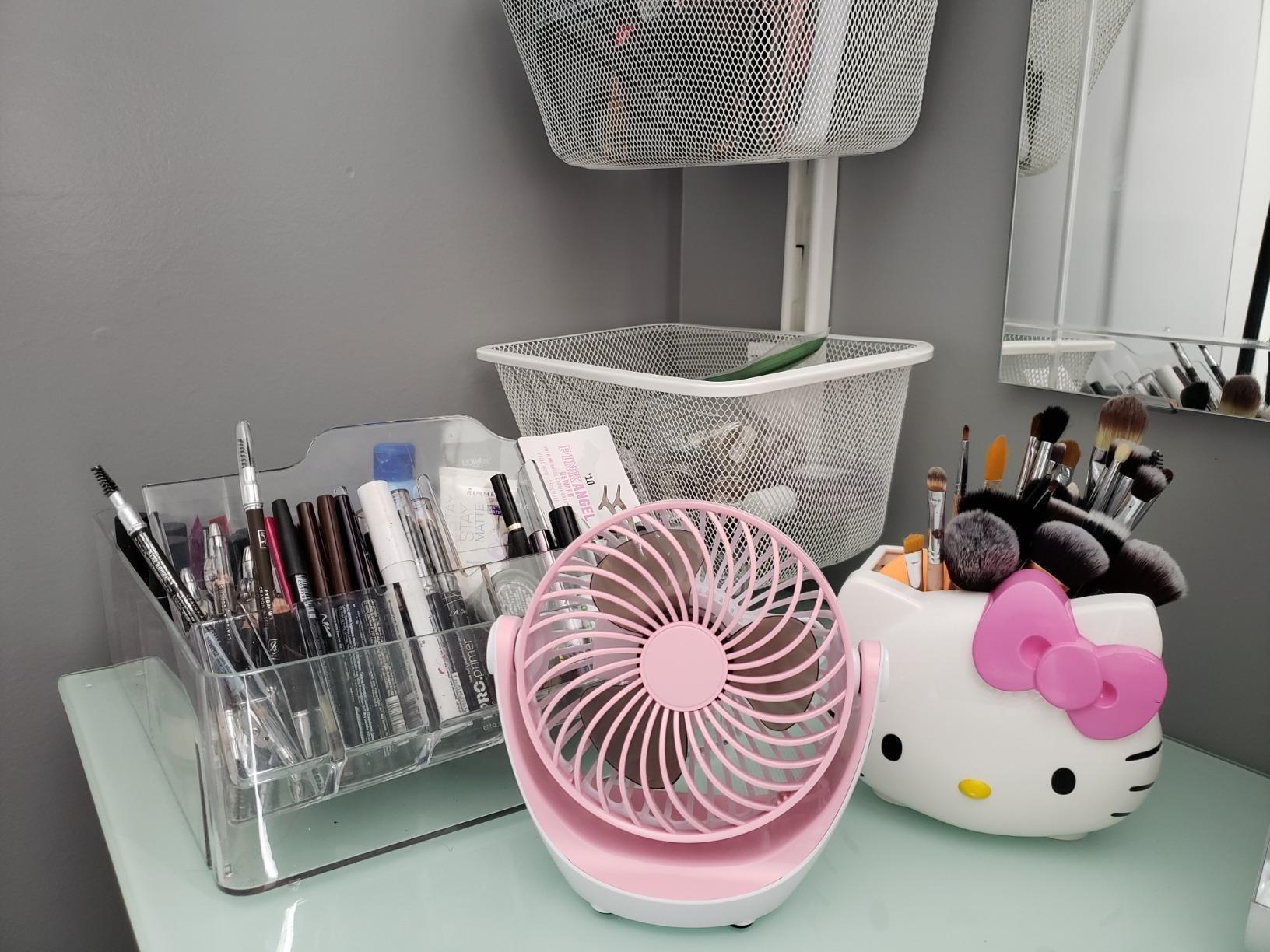 The mini fan in pink