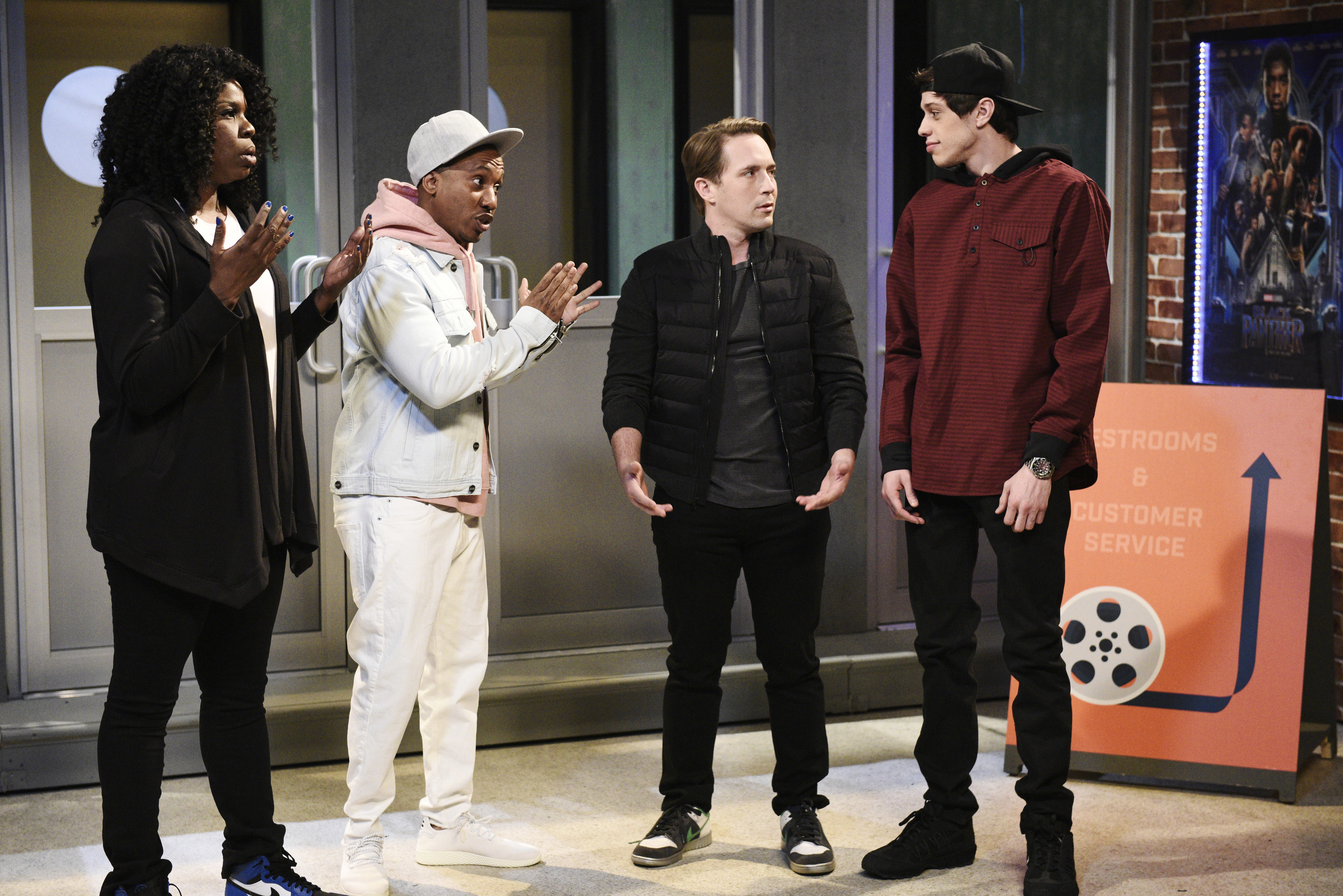 The cast of SNL on stage with Pete Davidson
