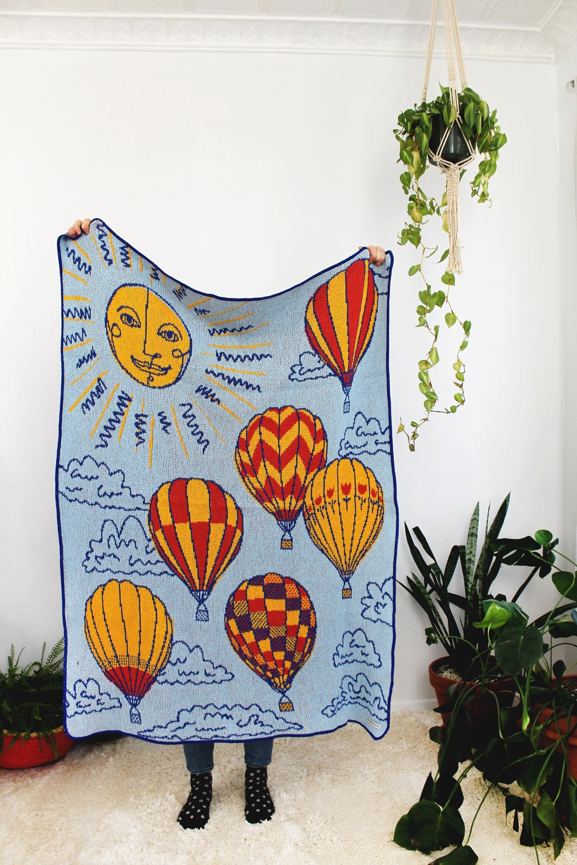 Hot air balloon print blanket