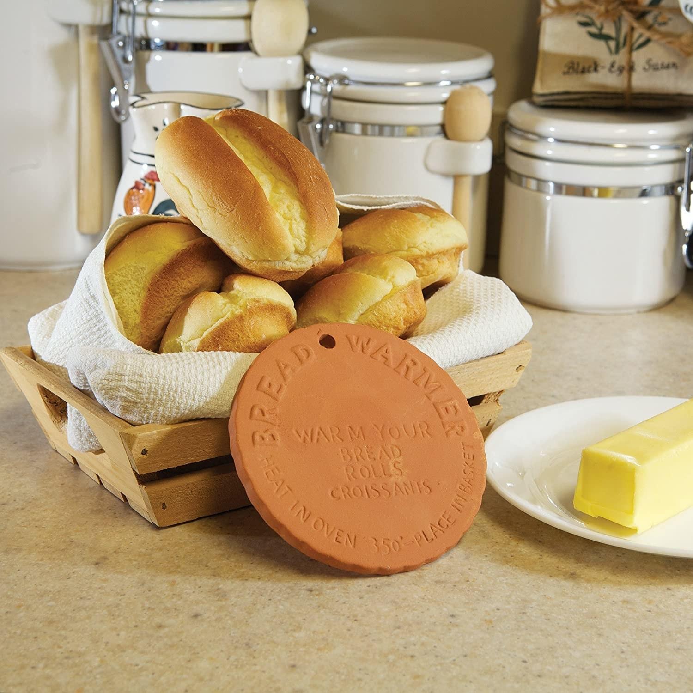 The circular bread warmer