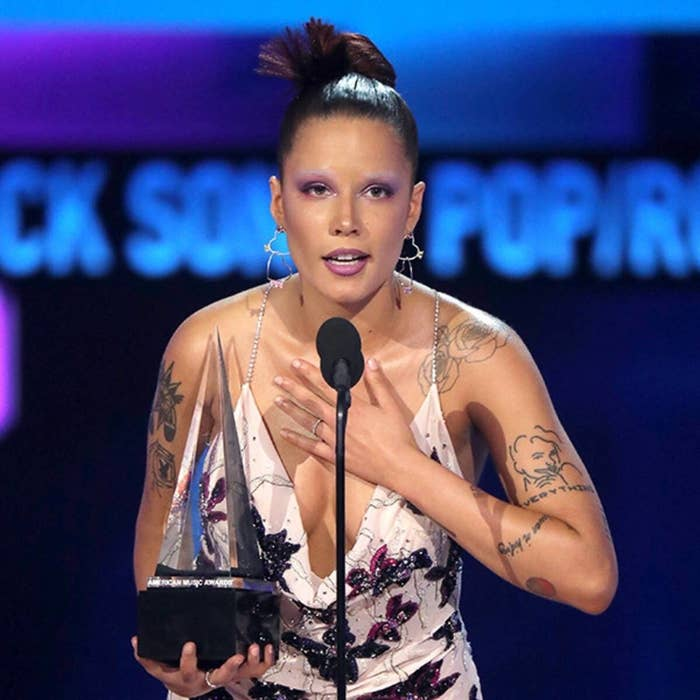 Halsey accepting her first ever AMA award.