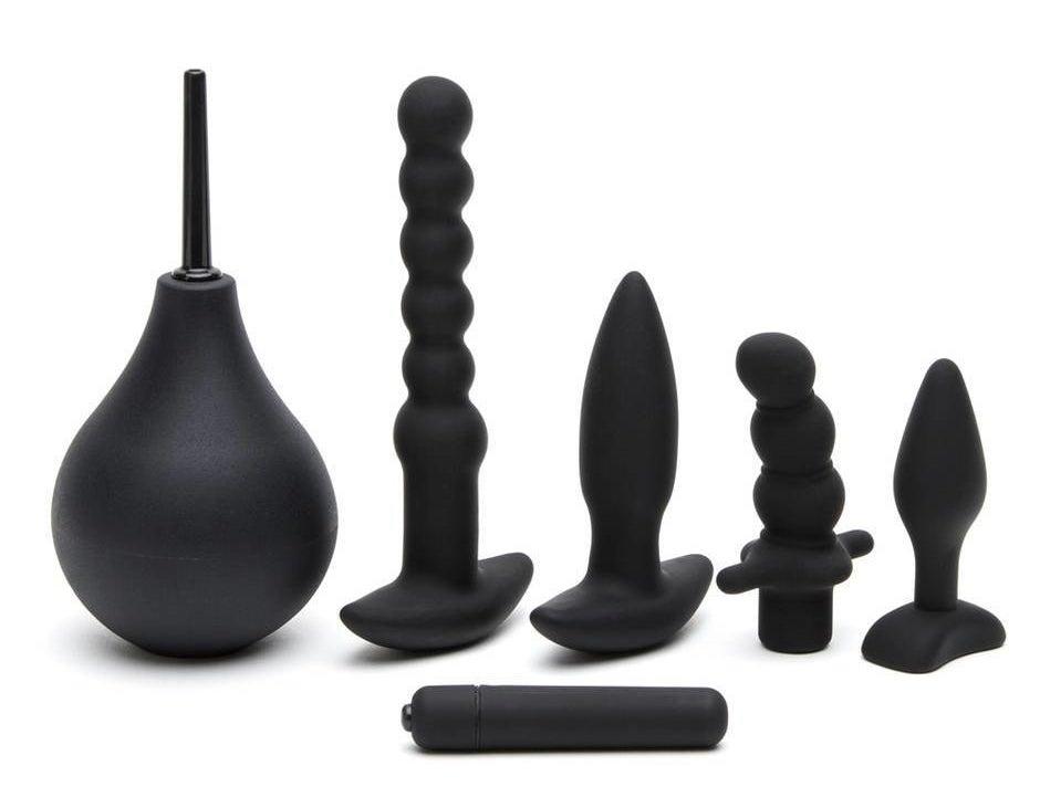the six-piece kit in matte black