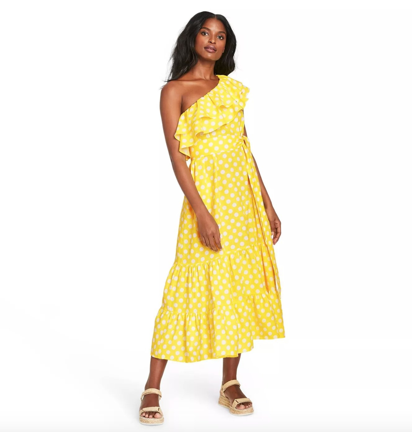 Model wearing the dress in yellow