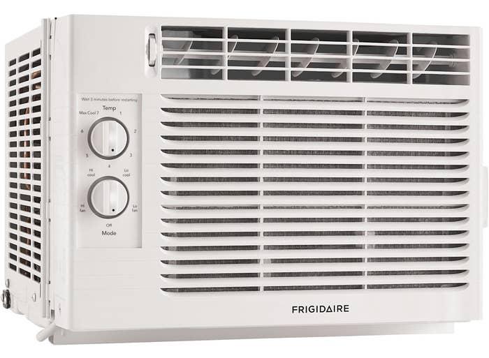 the window unit air conditioner