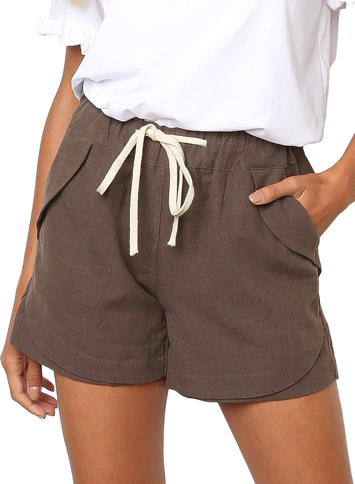The shorts with a drawstring waist in brown