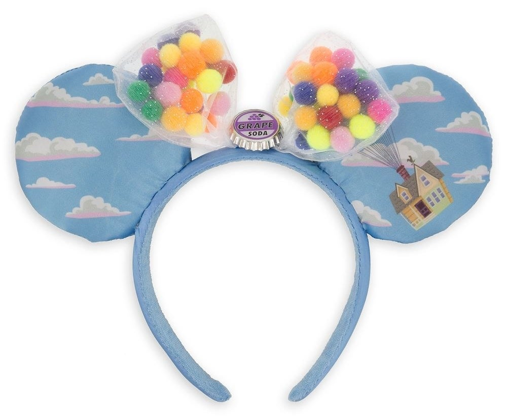 The headband, featuring light blue screen art with clouds and Carl's house plus two organza bags with 3D 'balloons' and a grape soda bottle cap at the center
