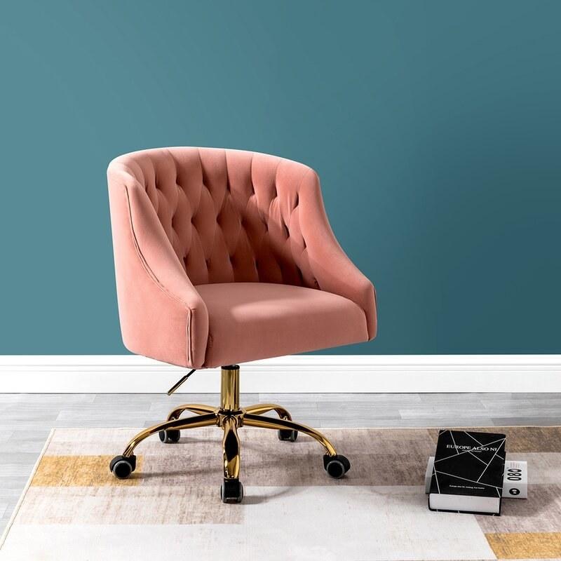 The office chair in pink velvet